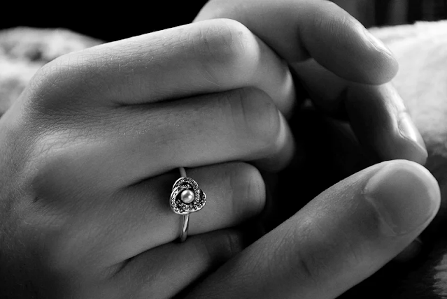 The Full Guide to Buying a Wedding Ring, Including Custom Design!