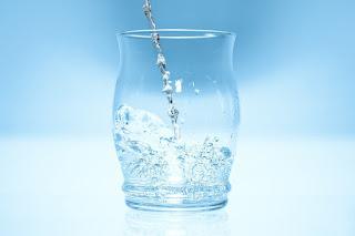 多喝水,如何喝水才健康,正確飲水方法,正確喝水量