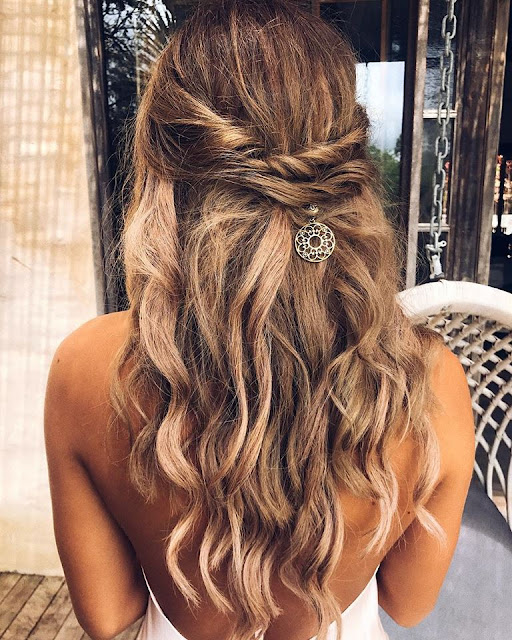 GOLD COAST WEDDING HAIR BRIDAL HAIRSTYLIST