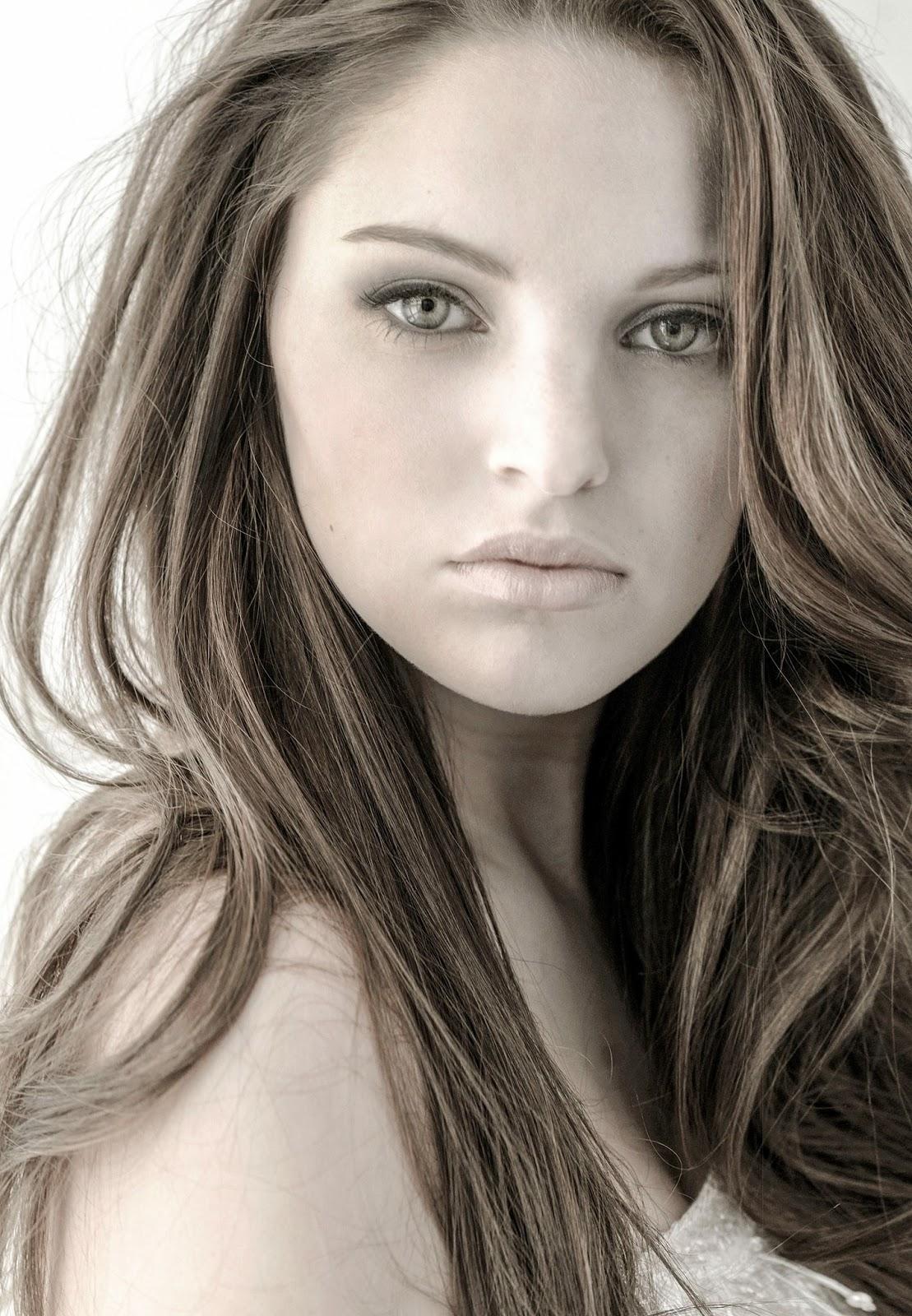 Nicole Spiller Nude Photos 1