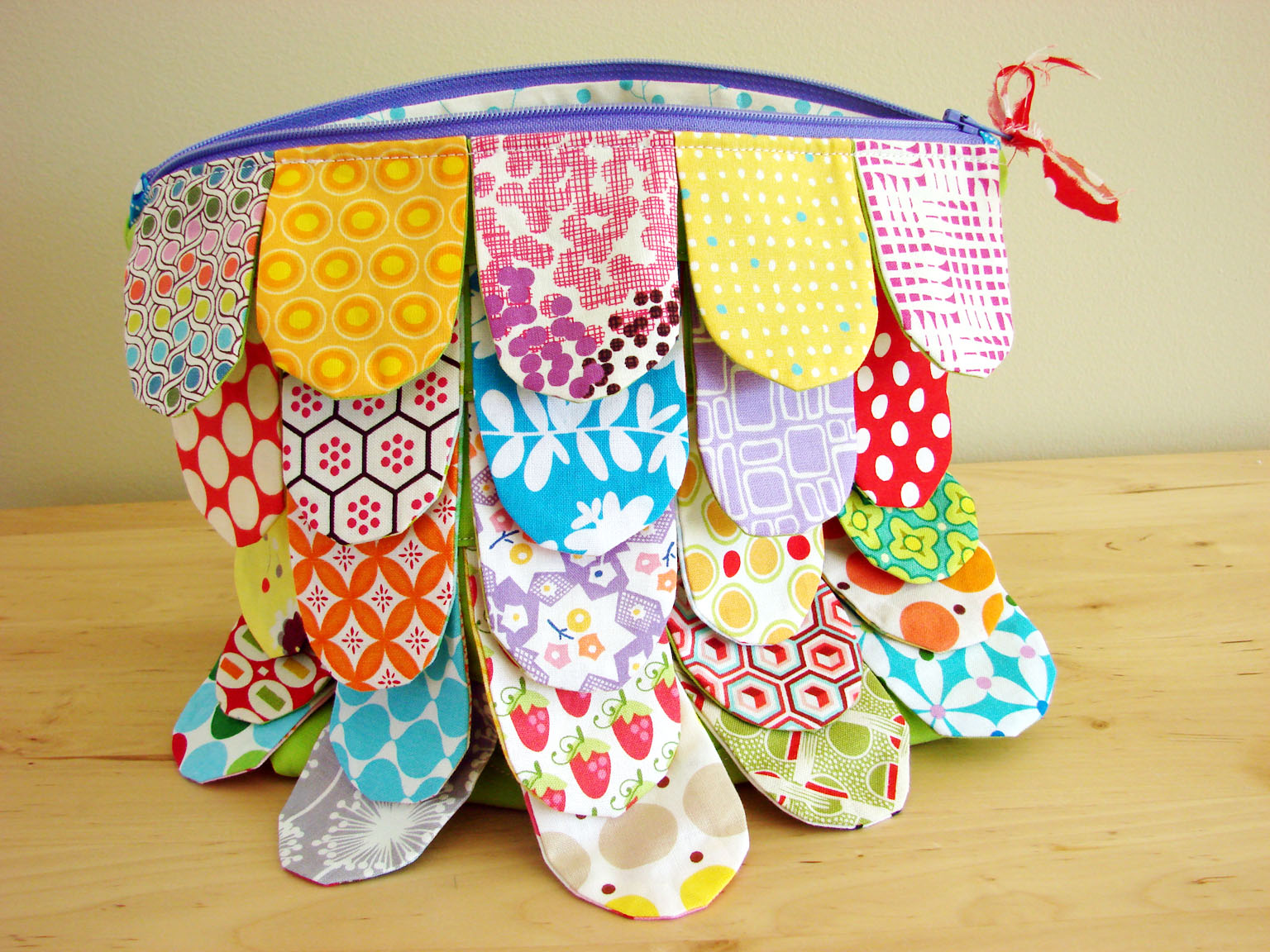 Scrappy Zipper Pouch Tutorial & Pattern