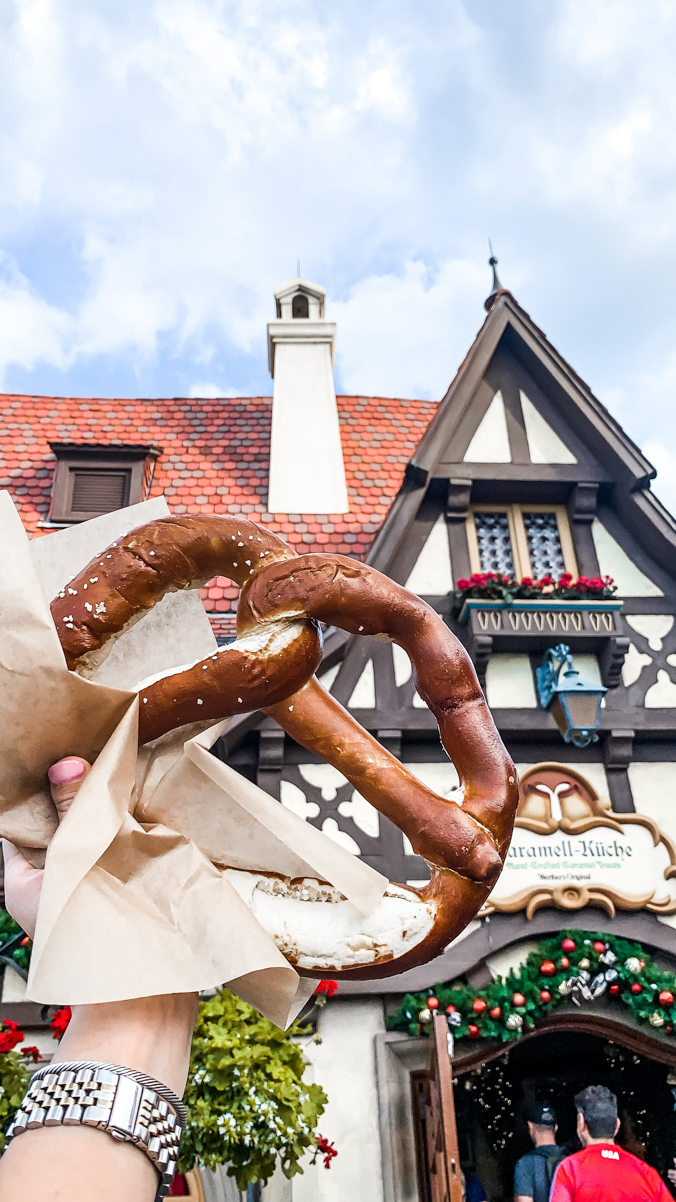 Best Snacks at Disney World - Chasing Cinderella