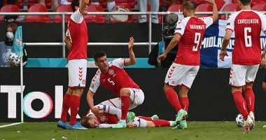 لاعب المنتخب الدانماركي كريستيان ايركسن ينجو من الموت باعجوبة