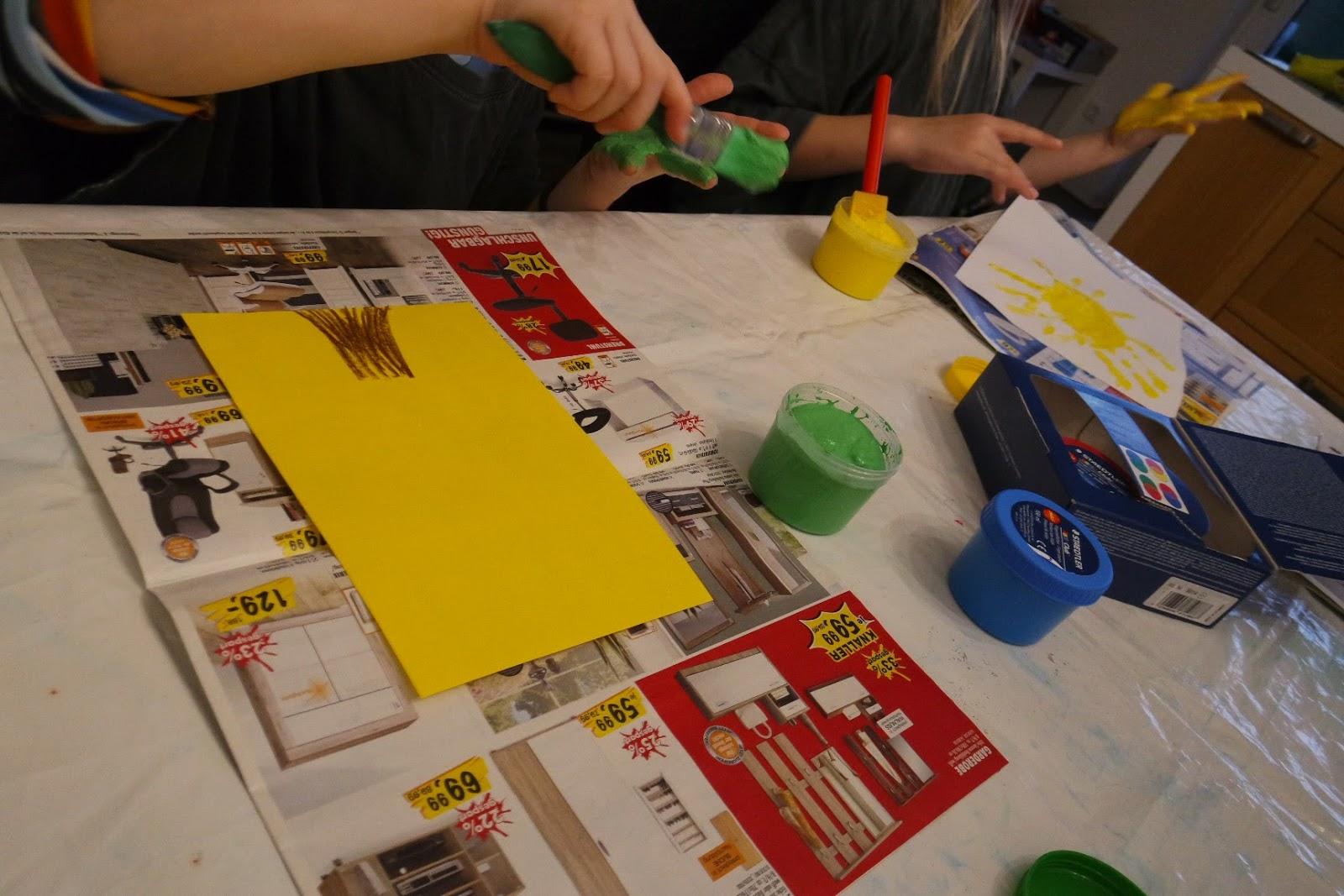 Weihnachtsbilder Gemalt.Pamelopee Kinder Malen Weihnachtsbilder Mit Fingerfarben