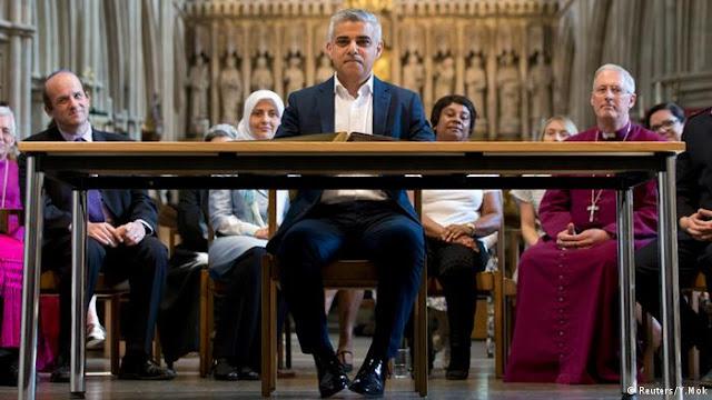 """اليوم في كاتدرائية ساوثورك أدي صادق خان اليمين الدستورية """"أول عمدة مسلم لندن """""""