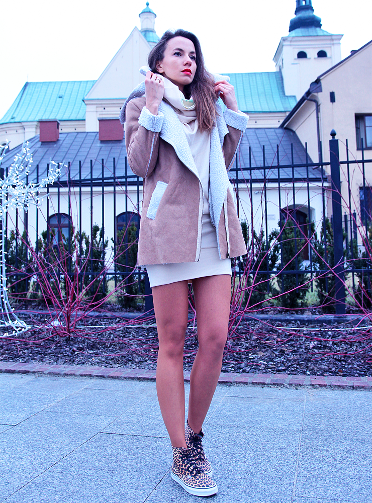 total beige look