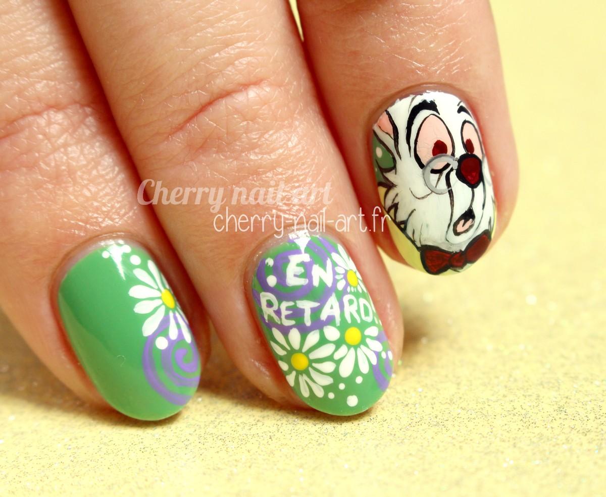 nail-art-lapin-blanc-alice-au-pays-des-merveilles