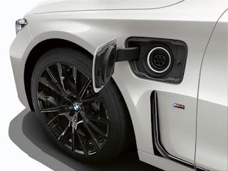 Noul BMW 745e
