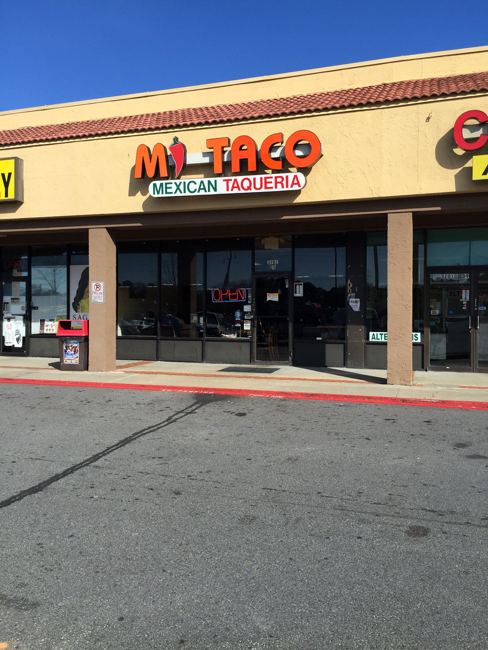 independent restaurant review mi taco pleasantdale rd atlanta of a super walmart parking is in the fairly large lot out front behind a standing bojangles near the corner of tucker norcross and britt roads