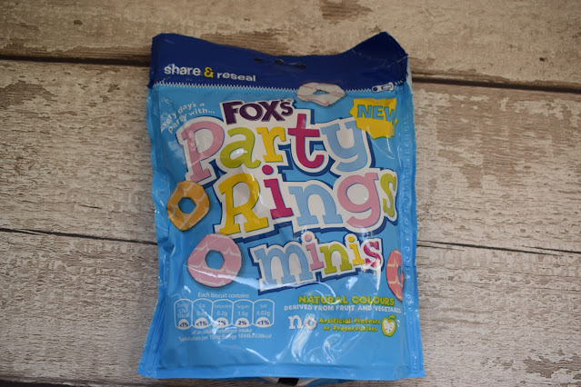 Fox's Biscuits minis party rings minis