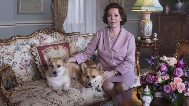 Olivia Colman como Isabel II en The Crown