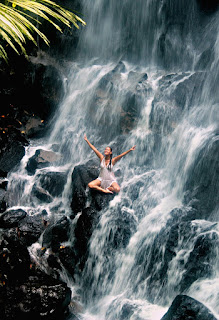 http://www.tcstyleclues.com/2017/05/bali-travel-kanto-lampo-waterfall.html