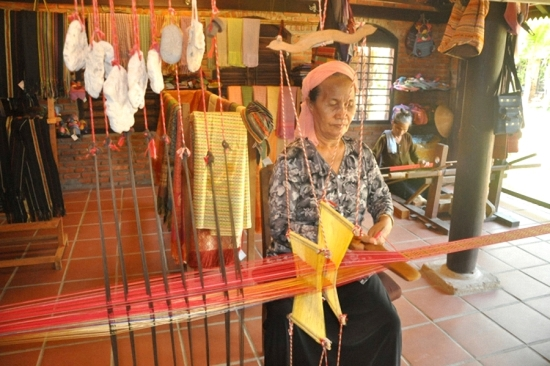 Làng nghề dệt lụa Mã Châu có truyền thống hơn 300 năm