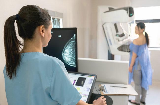 Mammografi Bukanlah Pendeteksi Kanker Payudara yang Baik dan Dapat Menyebabkan Kanker