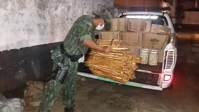 POLICIA AMBIENTAL ENCONTRA FABRICA CLANDESTINA DE PALMITOS JUÇARA EM SETE BARRAS