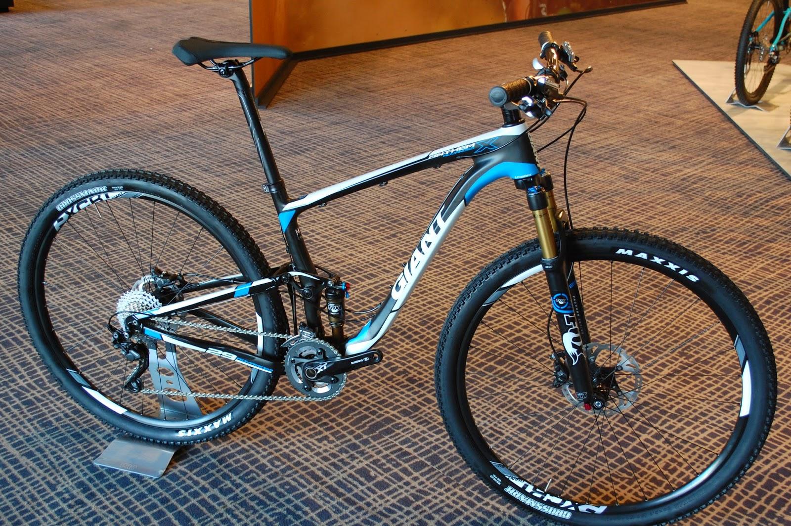 GIANT Anthem X Advanced 29er (2015) mountain bike. Harga