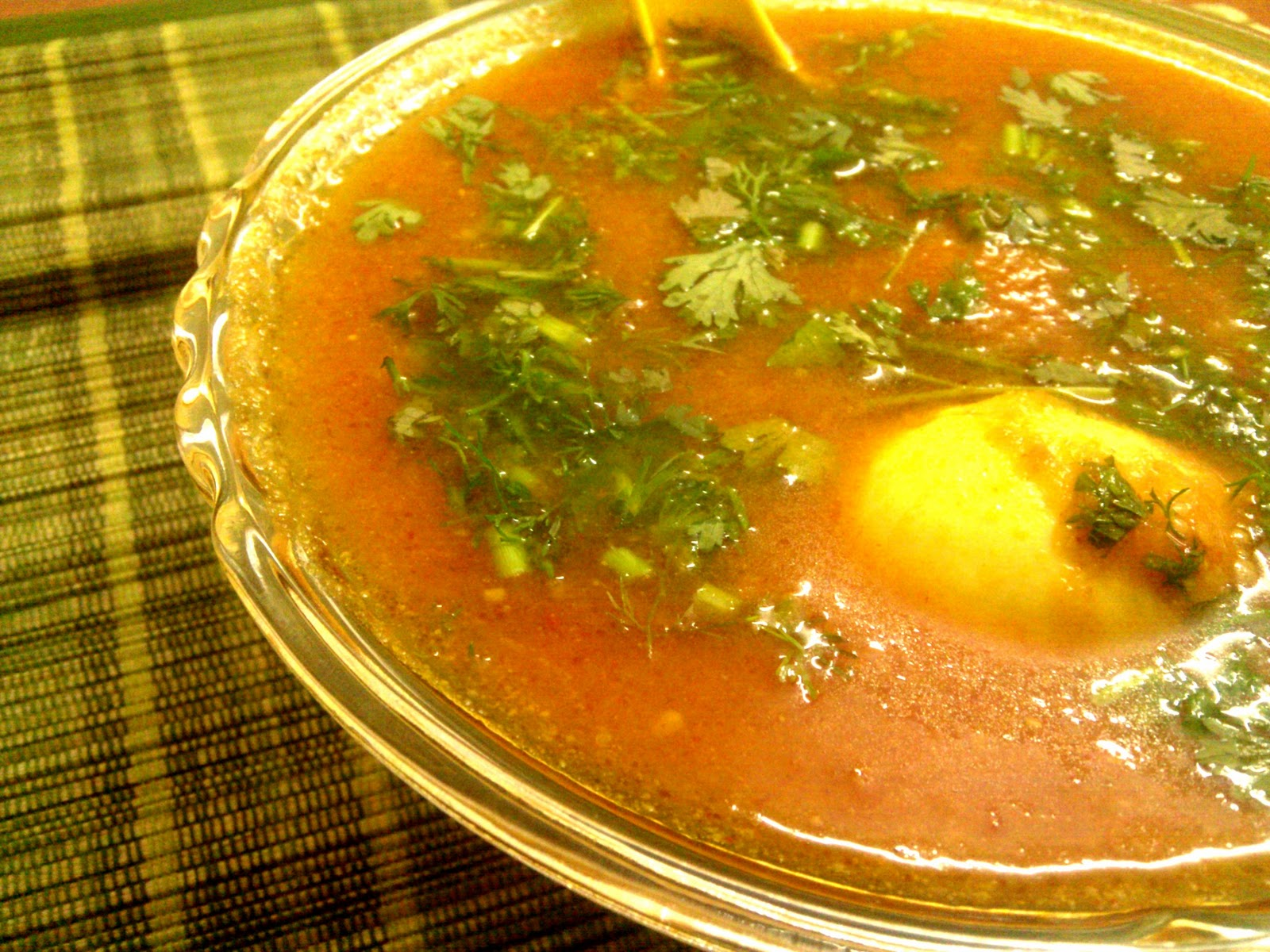 Egg Curry Series: Dimer Dalna / 10 Minute Egg Curry - An Egg Curry