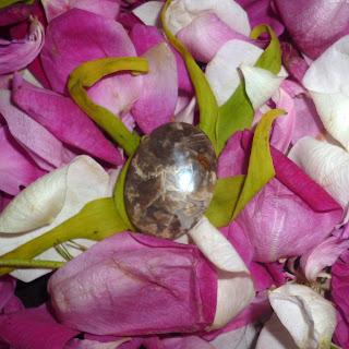 Batu Mustika Macan Kumbang Kumbayana