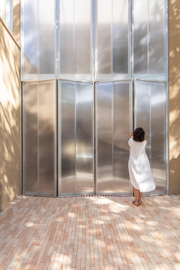 wellness facade folding doors