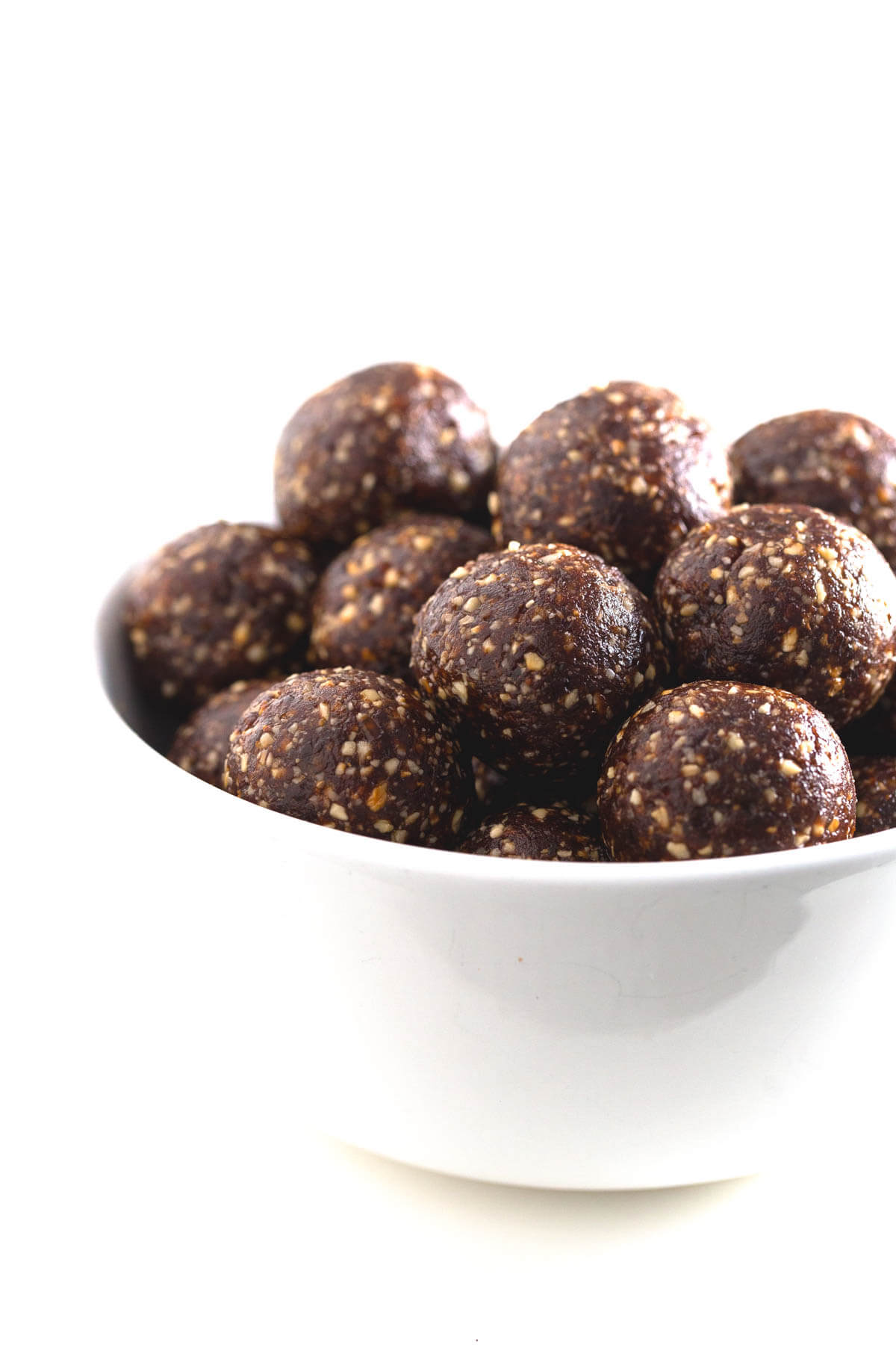 Energy balls: These energy balls are very satiating, easy to prepare, transport and give us a lot of energy. They are perfect for athletes and students.