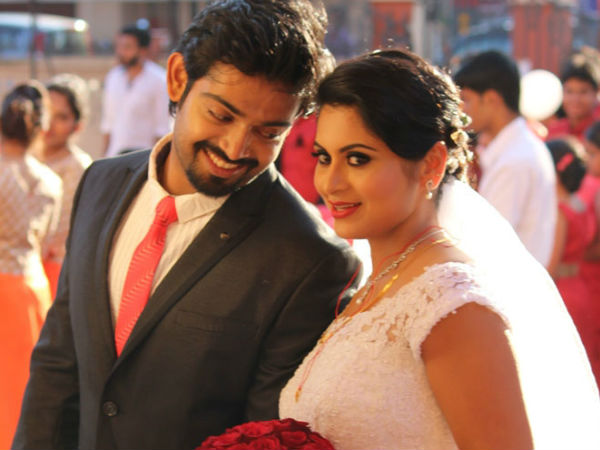 Sruthi Lakshmi with husband Avin Anto after their wedding