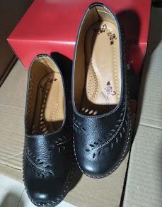 Sepatu Kulit Wanita Casual