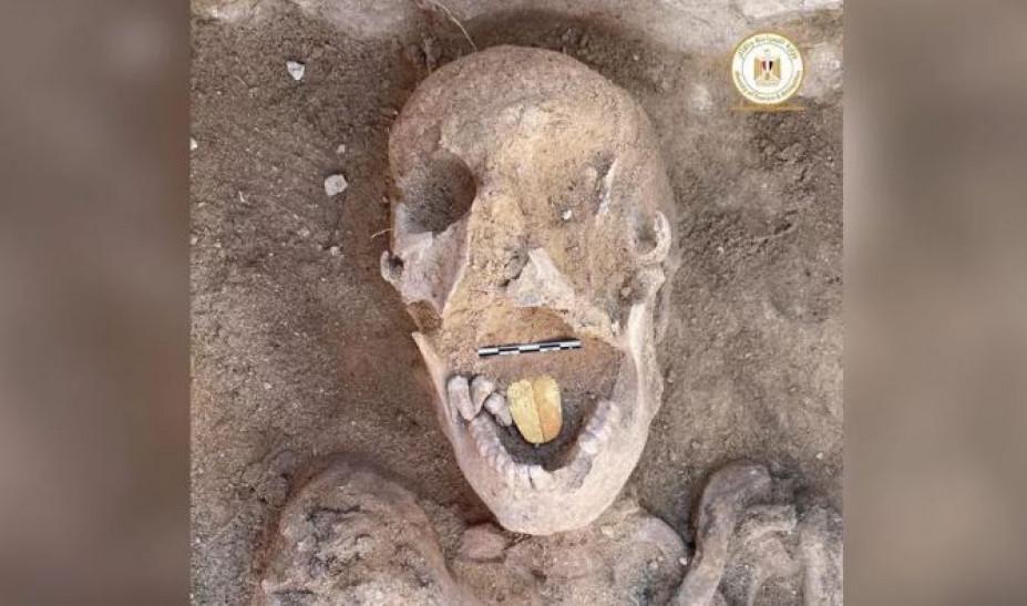 Βρέθηκε μούμια 2.000 ετών με χρυσή γλώσσα στην Αίγυπτο