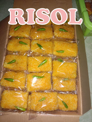 Risol, Pastel dan Pie Buah dari UPPKS Lumintu Jogja