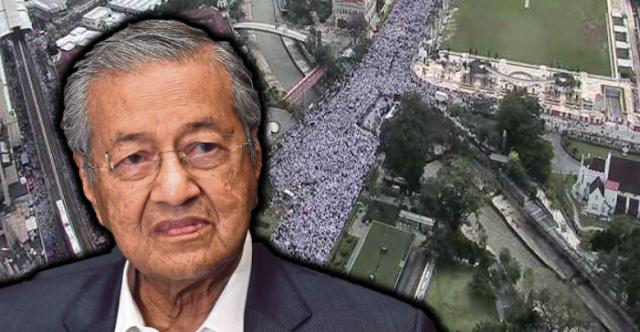 Jutaan Warga Malaysia Gelar Aksi 812, Mahathir: Terima Kasihlah