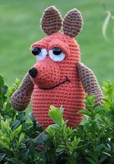 http://www.ravelry.com/patterns/library/die-maus