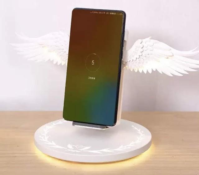 【女生大愛】日本 ACHICOO 天使翼無線充電器 展現華麗光效