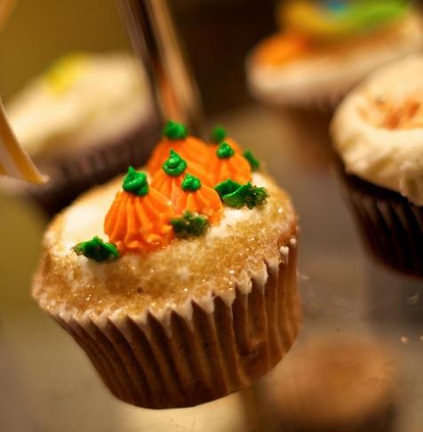 Healthy Pumpkin Cake Cupcakes