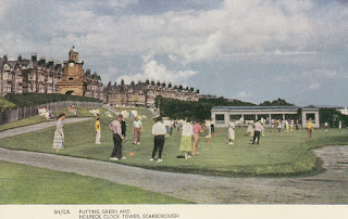 Putting Green and Holbeck Clock Tower, Scarborough. Lilywhite Ltd. Postally unused. Undated