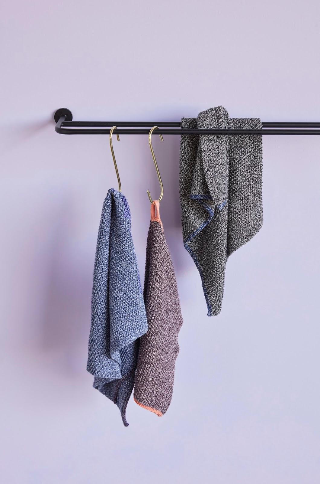 metalowy wieszak na ręczniki