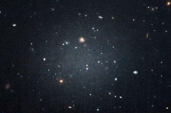 Galaksi Yang Tak Punya Materi Gelap Buat Bingung Astronom