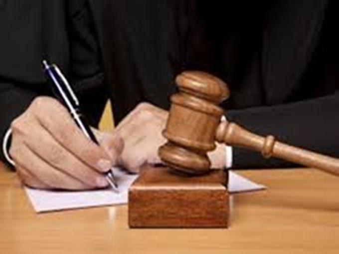 अनुदेशकों के नवीनीकरण मामले में डीएम व BSA को अवमानना नोटिस