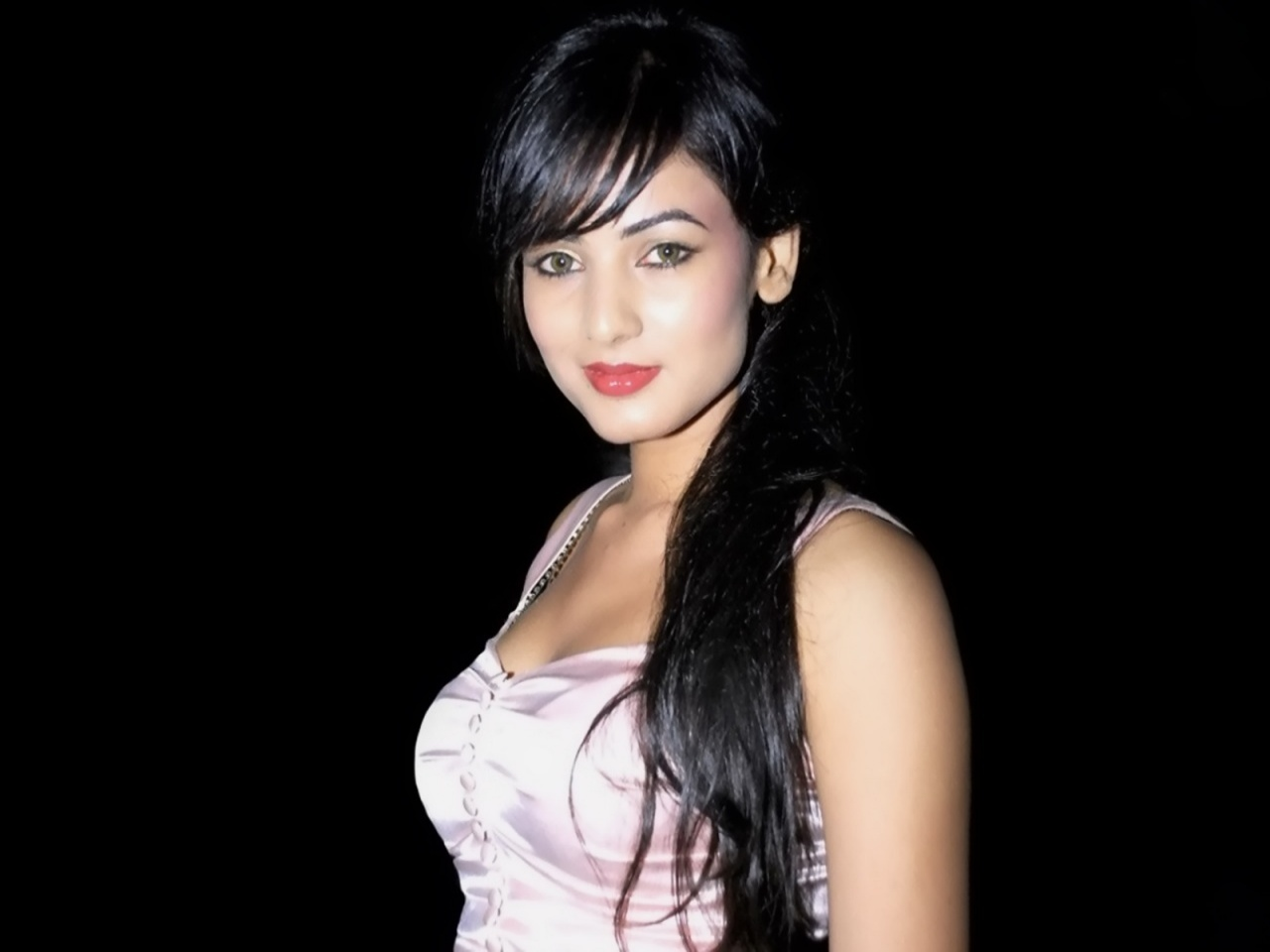 Sonal Chauhan Wallpapers | Download Free High Definition ...