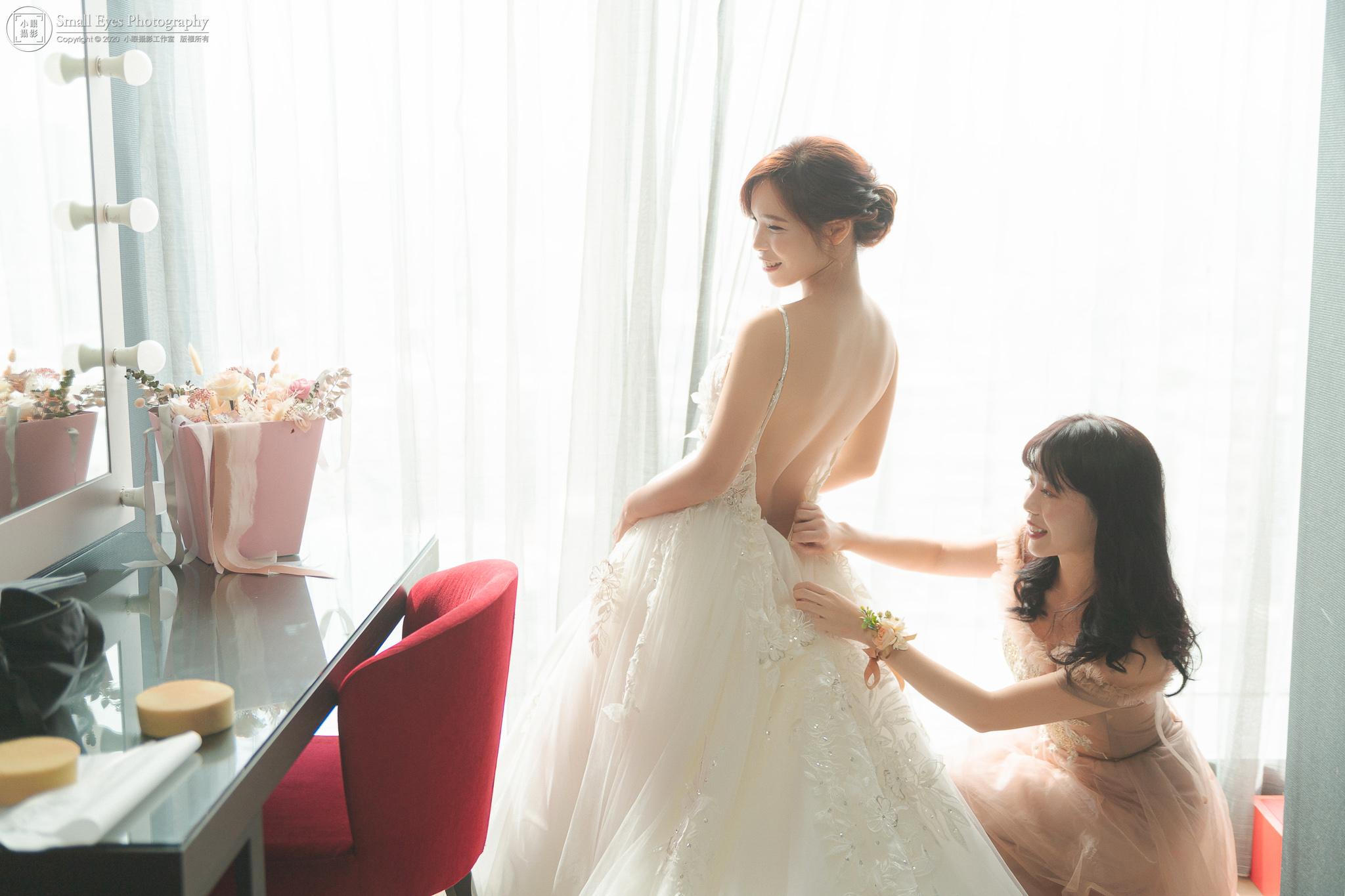 小眼攝影,傅祐承,婚禮攝影,婚攝,婚禮紀實,婚禮紀錄,貳月婚紗,新秘瓜瓜,迎娶,台北,格萊天漾,裸背