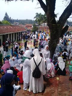 Ribuan Anak Paud Ikuti Manasik Haji di Cimalati Cicurug - Sukabumi