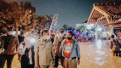 Hujan di Bandung Banjir di Karawang, Apes Korban Janji Politik Warga Karangligar