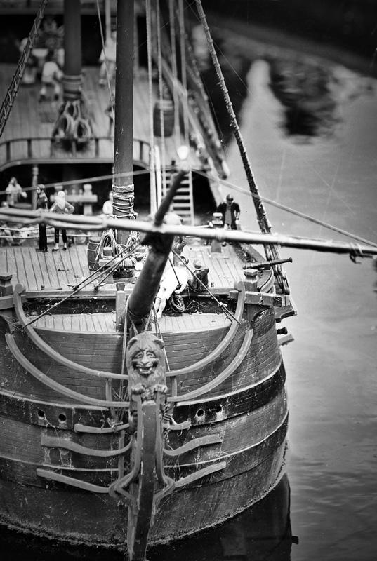 statek miniatura