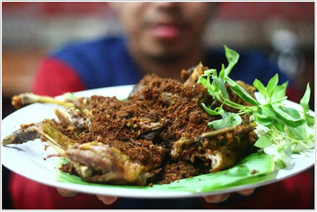 Bebek Ole Olang;10 Tempat Kuliner Populer di Madura;