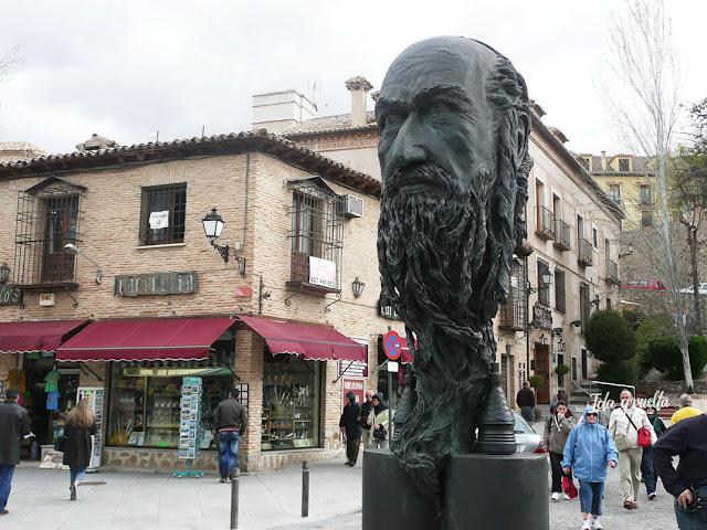 Estatua de Samuel ha-Leví frente al Museo del Greco