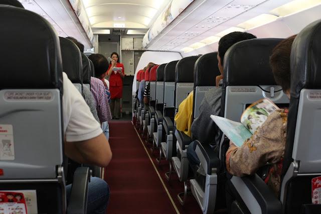 Selamat datang dalam penerbangan perdana Air Asia Pontianak Kuching