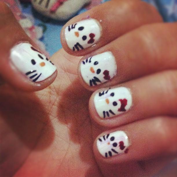 pusang maganda: hello kitty nail art