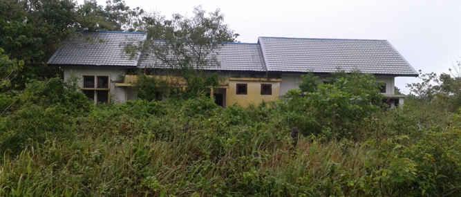Pembangunan balai laboratorium Lingkungan Hidup (LH) yang merupakan aset pemerintah kota Tual yang dibangun sejak tahun 2012 hingga kini bangunan tersebut tidak dimanfaatkan.