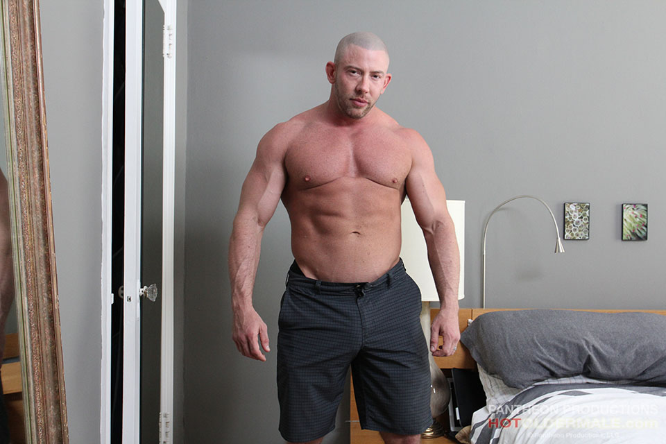 Hairy Dads: Hot dad: Brad Kalvo