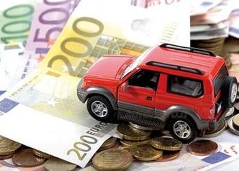 Risparmiare sulla polizza auto per natale. Sconto 10% assicurazione online