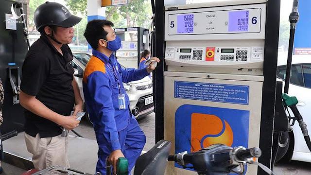 Giá xăng thế giới giảm sâu, giá xăng trong nước giảm xuống dưới 12.000 đồng/lít vào ngày mai?