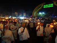 Semaraknya Pawai Obor Menyambut Ramadan di Madiun